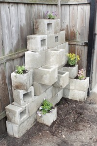awesome-diy-outdoor-planters