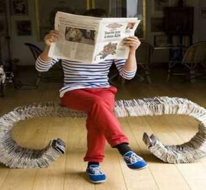 newspaper_bench_qojyo